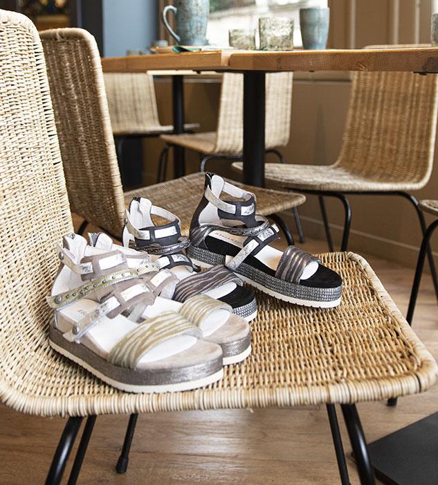 Sandales plateforme kaki et noire Calvi