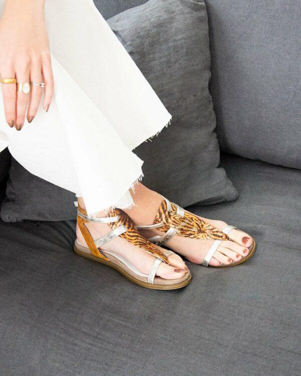 Sandales plates cuir colorées Bazur
