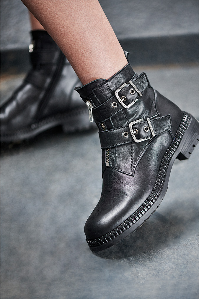 Bottines cuir noir rangers